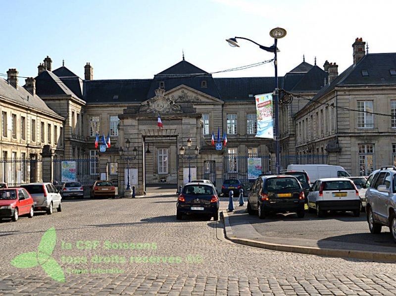 2011_visite du centre-ville de Soissons 04